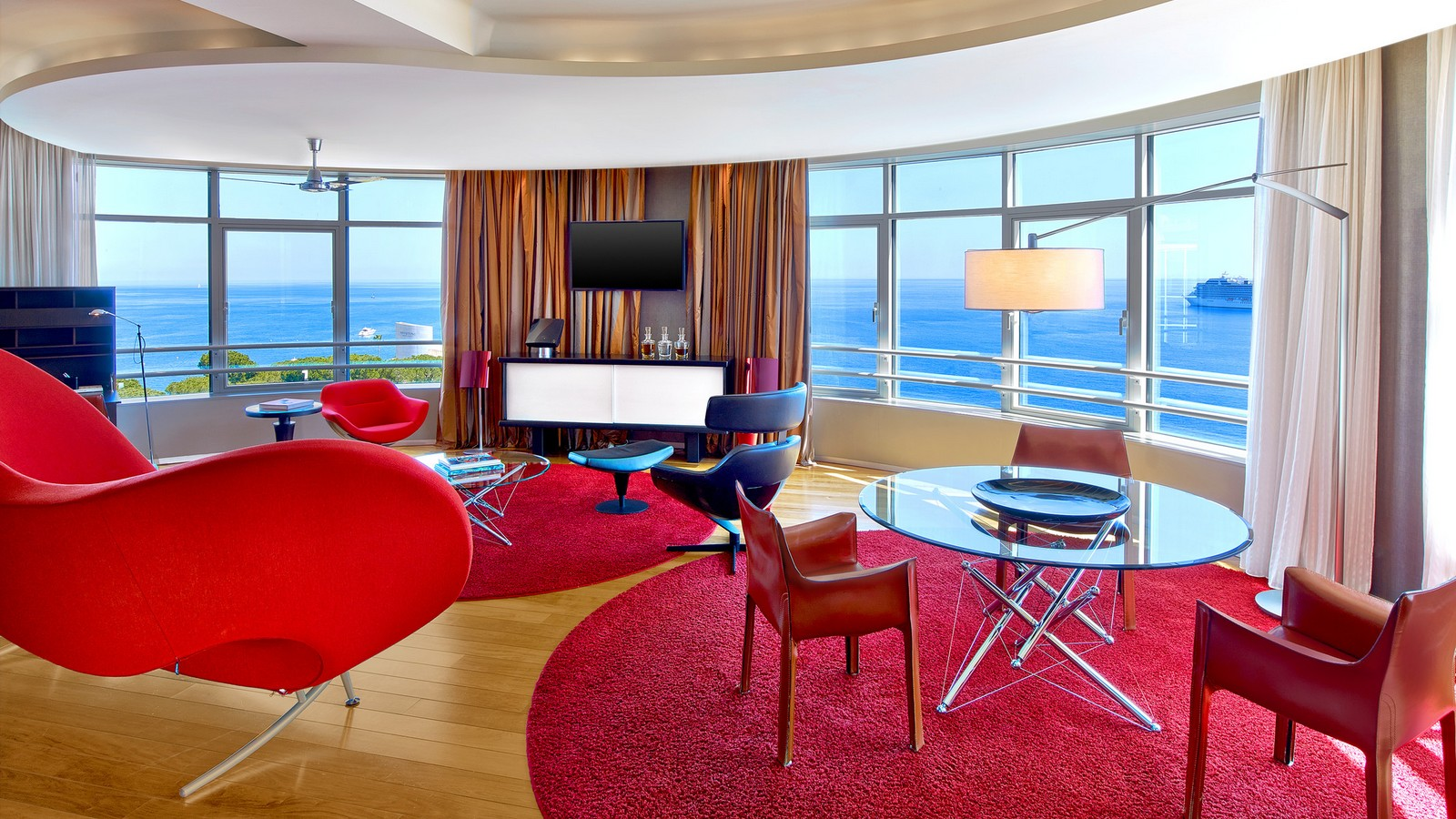 Presidential Suite - Sea View in Le Meridien Beach Plaza
