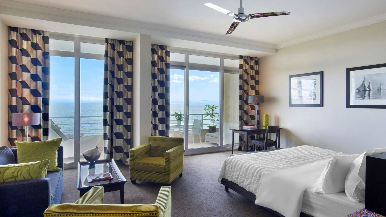Junior Suite - Sea View in Le Meridien Beach Plaza