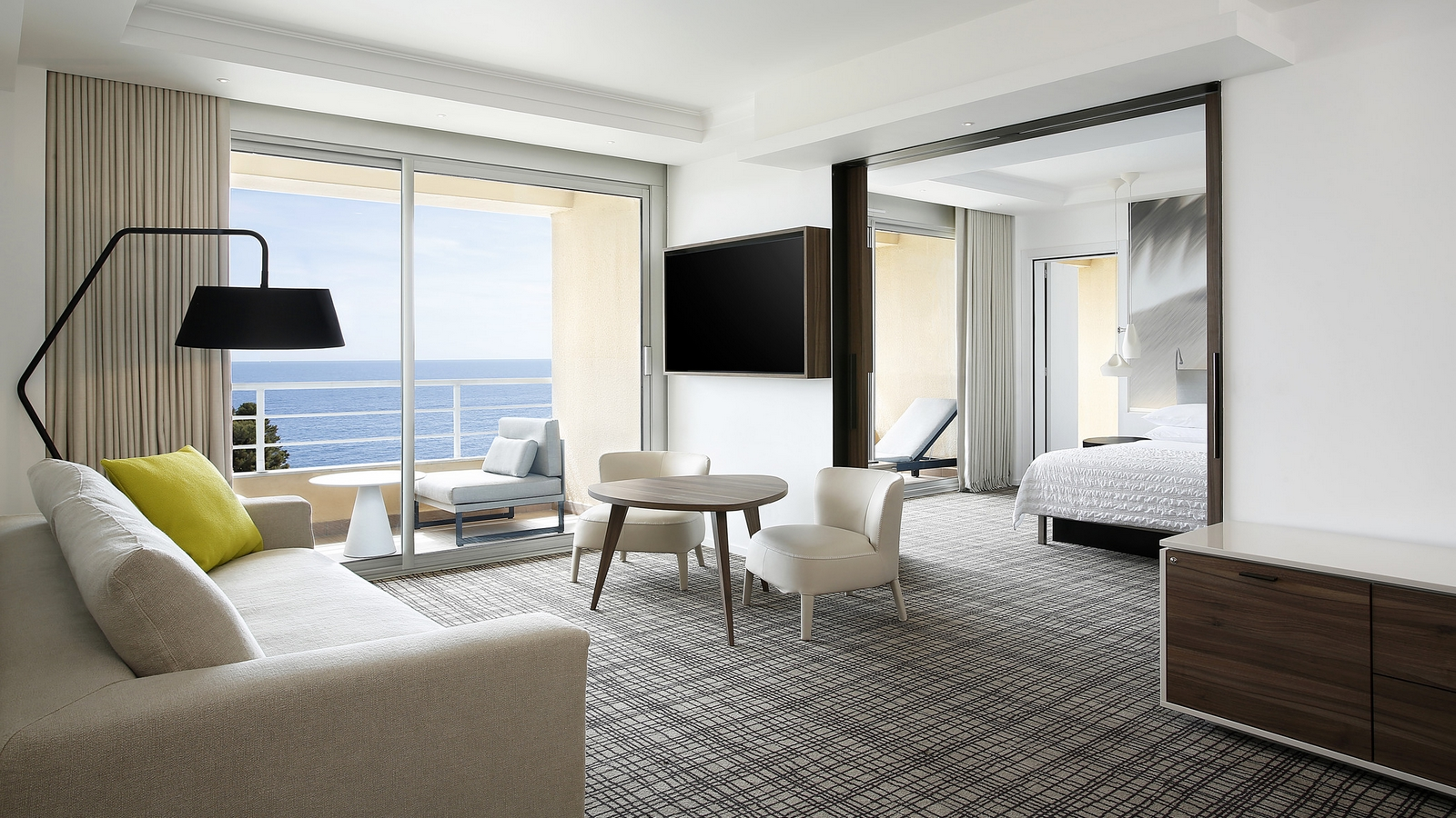 Executive Suite in Le Meridien Beach Plaza