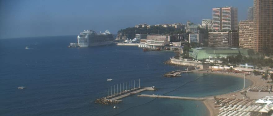 Our rooms offer breathtaking viewpoints over the sea & the bay of Monte Carlo